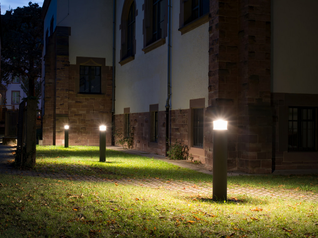 Illuminate Your Outdoor Areas With AZ Light